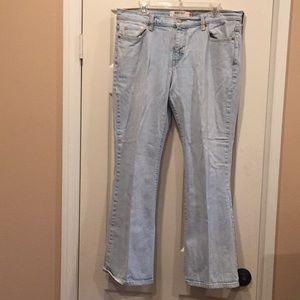 Levi's boot cut, light blue 515 jeans